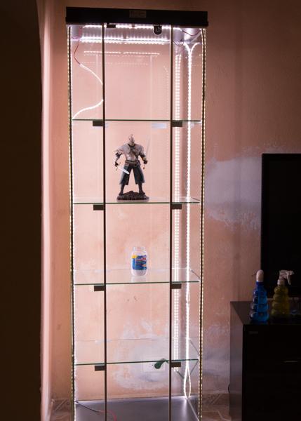 Hablemos de vitrinas, estanterias y exposición de figuras - Página 18 2he9ez8