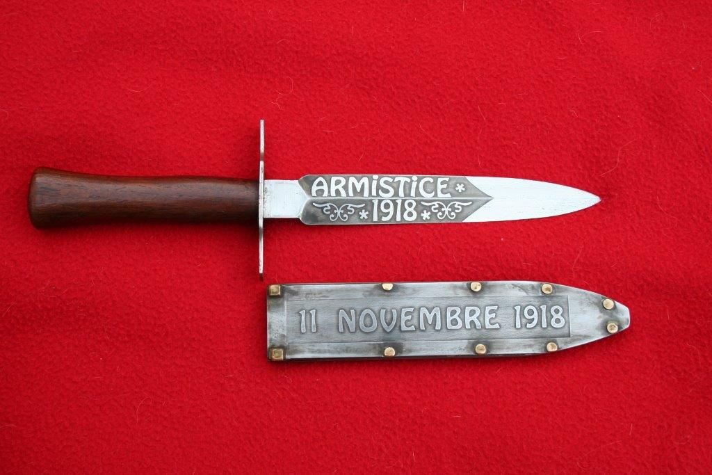collection de lames de fabnatcyr (dague poignard couteau) - Page 3 2hrel40