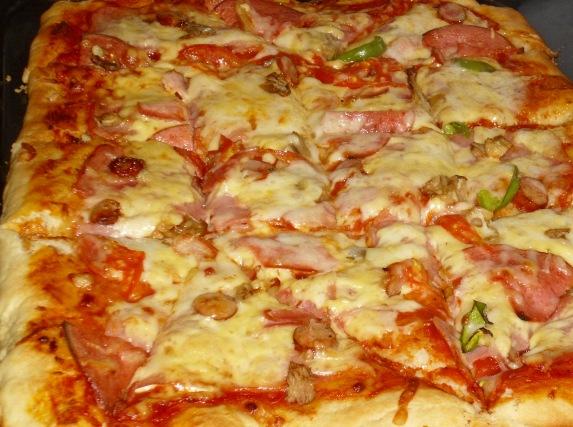Ζύμη πίτσας με μπύρα & σάλτσα πίτσας 2n03nnl
