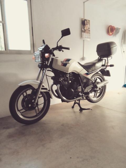 """Yamaha XS 400: """"el que la sigue la consigue"""" 2pobq0j"""
