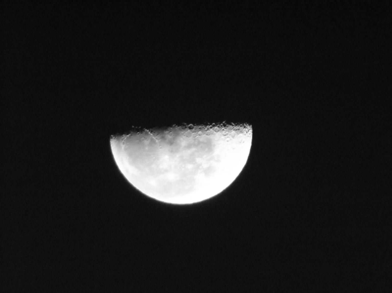 Fotos da Lua - Câmera compacta + Binóculo 10x50 2upvc3s