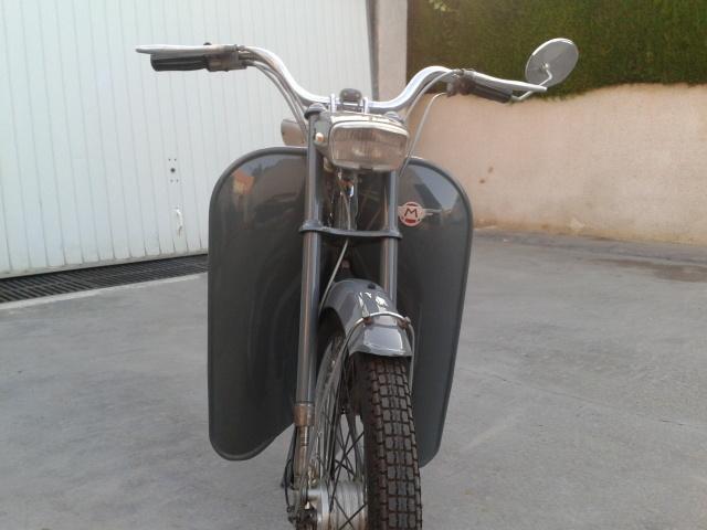 La Mobylette AV 44,por CIC. 6i5npx