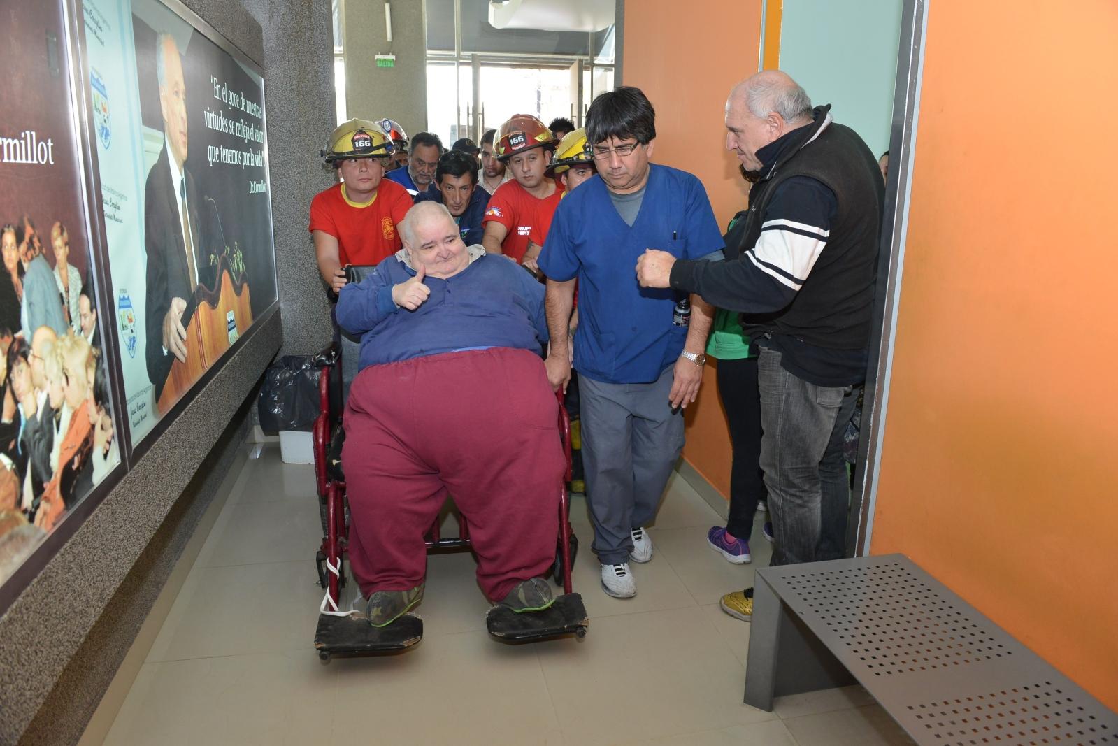 Malvinas Argentinas: internación obesológica muy prolongada. Paciente de más de 340 kilos. 98wmyo