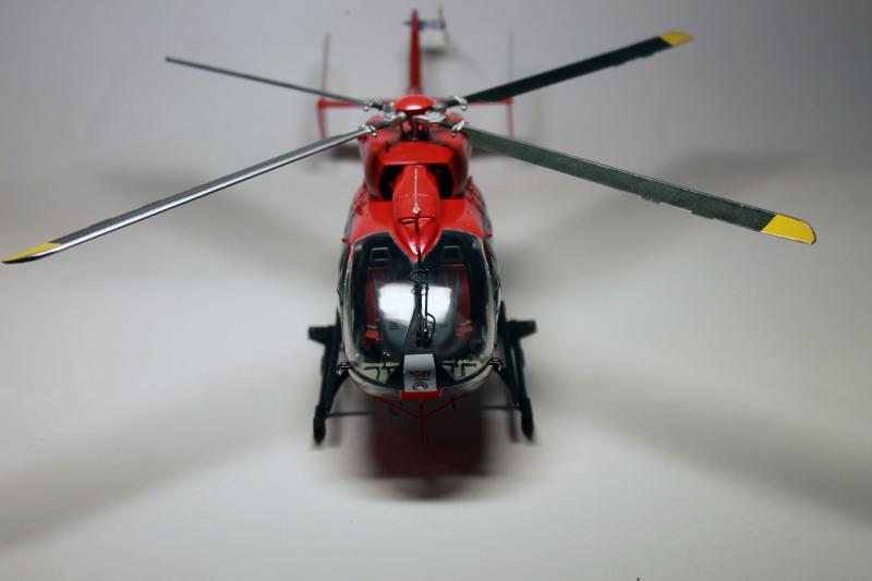 Airbus EC145 DRF Luftrettung (Revell 1/32) E8qsy8