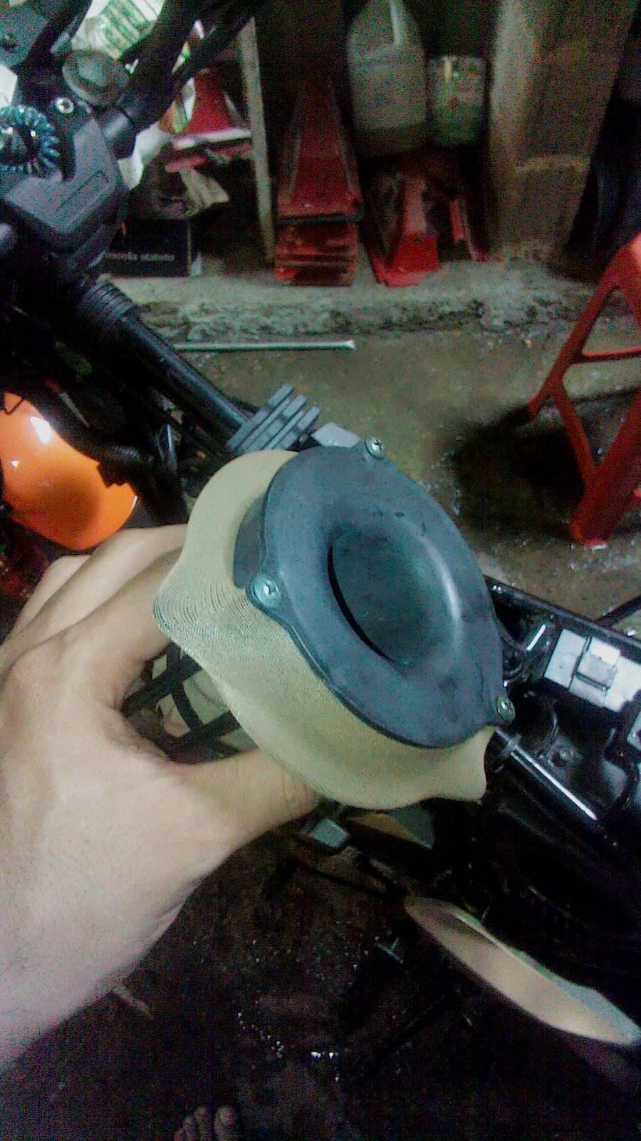 Ajuste de valvulas y mantenimiento filtro de aire a mi RKV200!! Ic1c0i