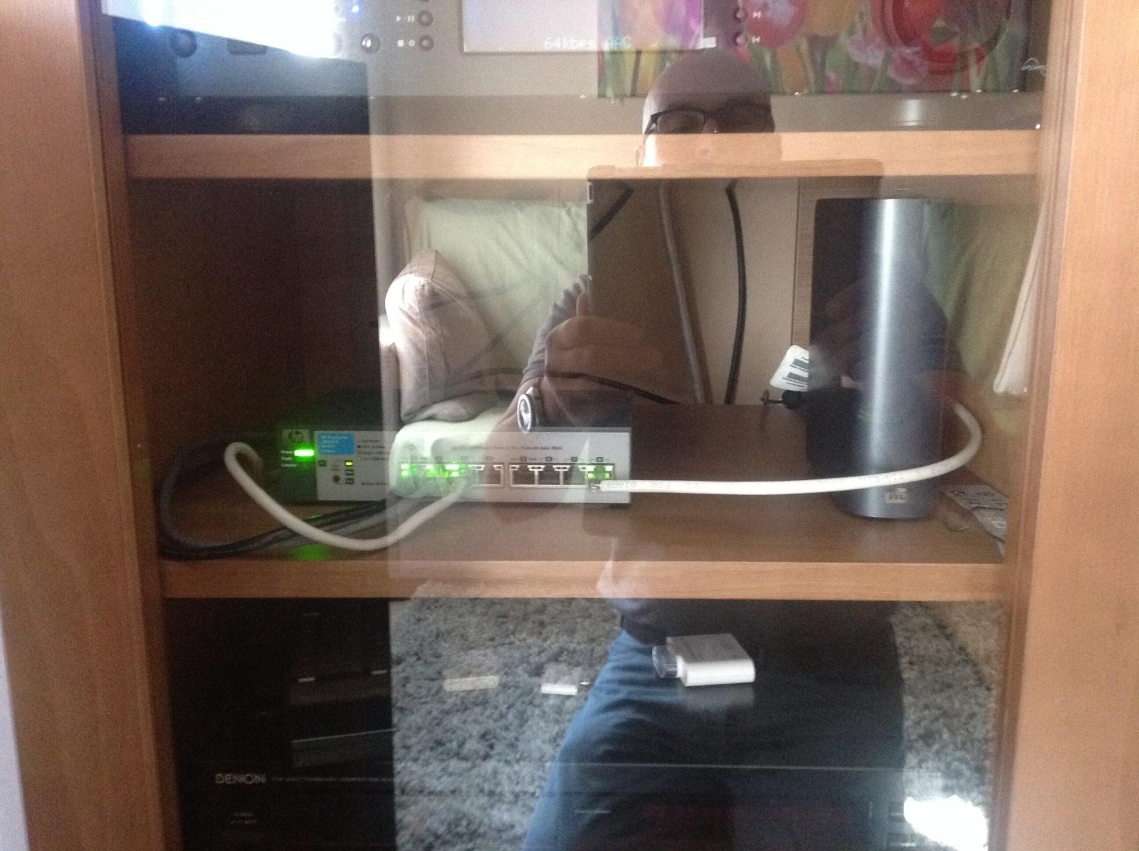 Consejo de reubicación de switch y discos duros servidor K9uv01