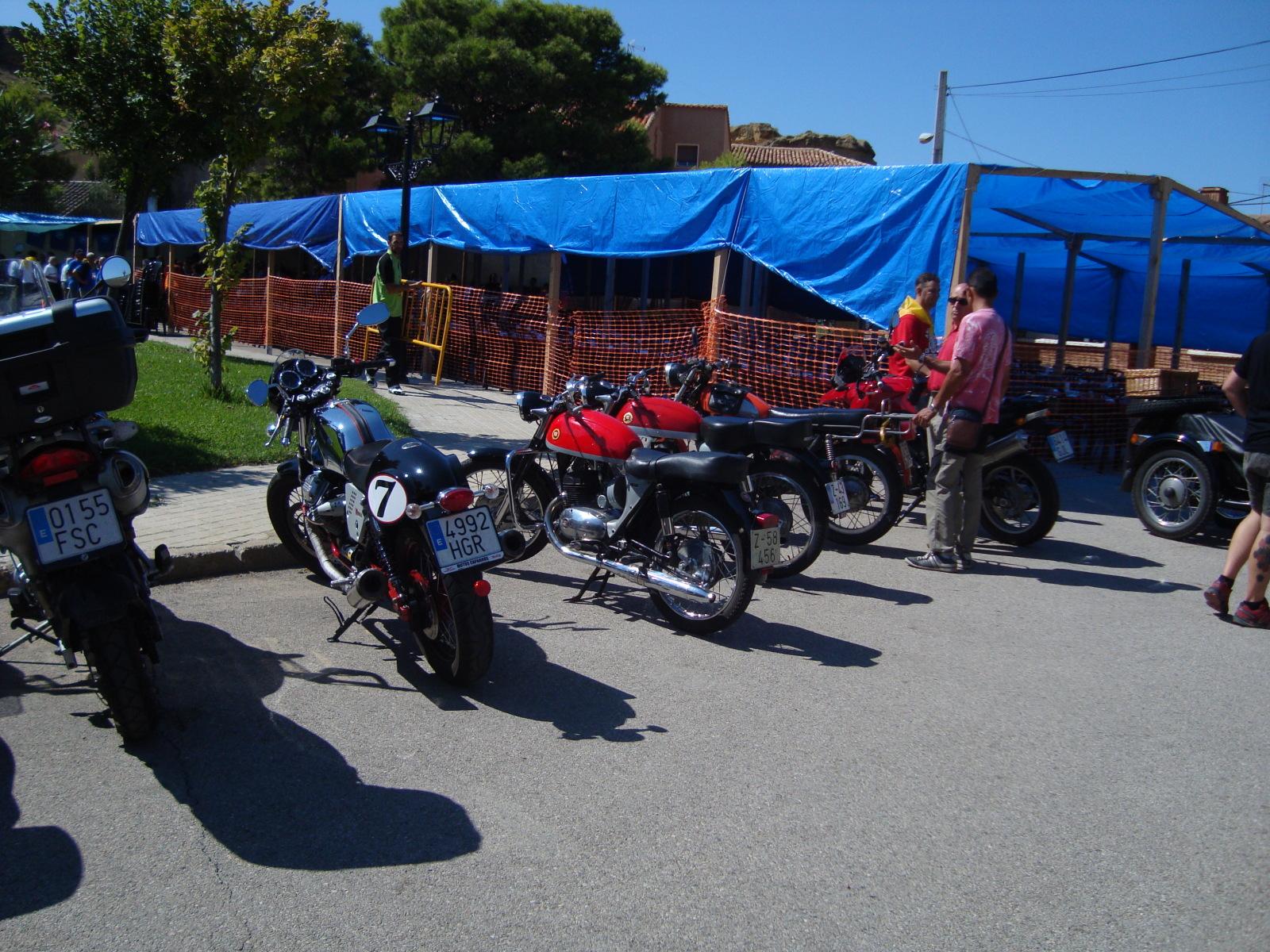 XI concentracion de motos antiguas en Alberuela de tubo (Huesca) Neg7eg