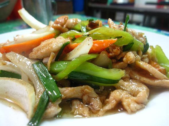 Fotos con precios de los diferentes platos y comidas tailandesas Rh3k3c