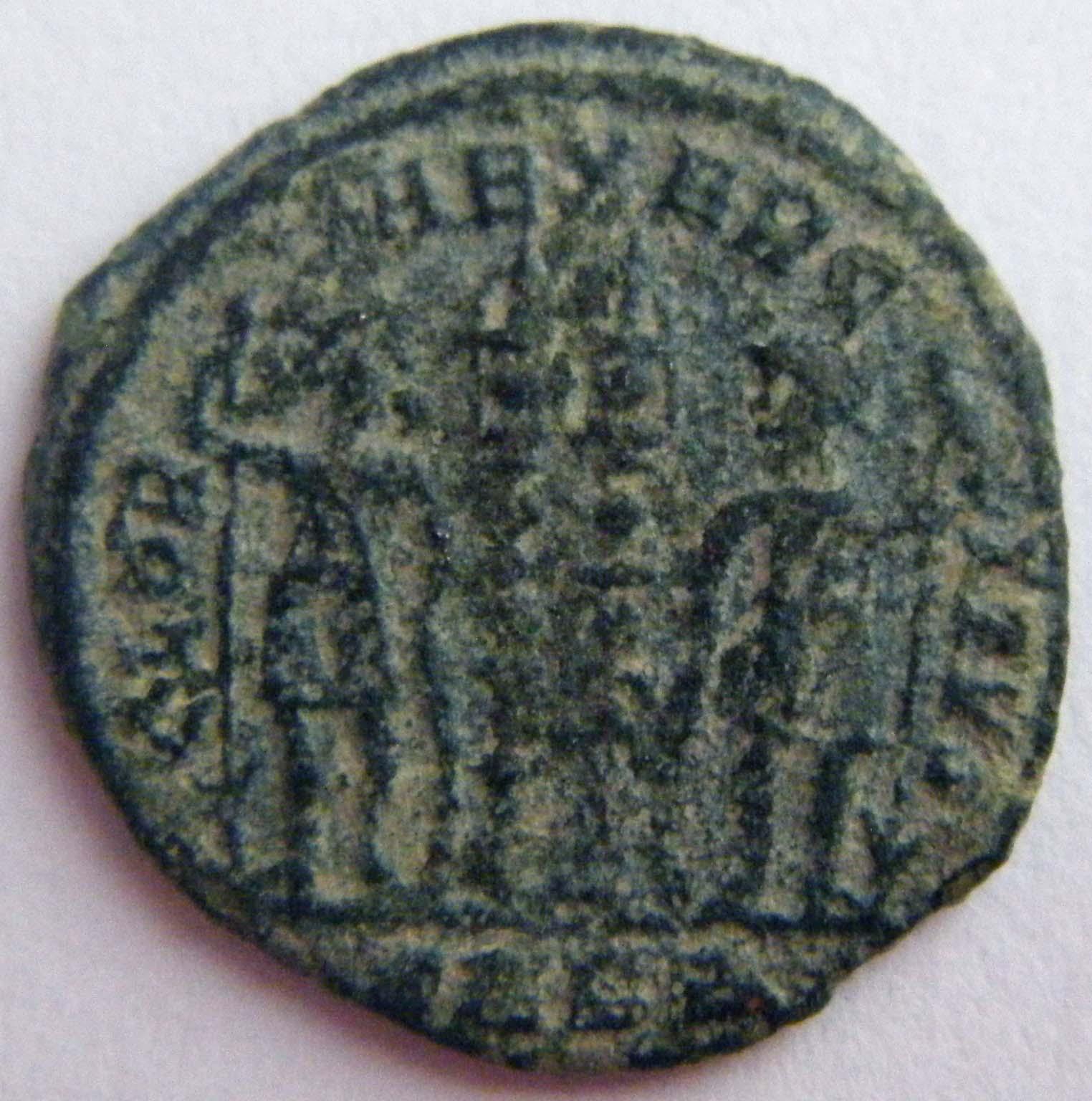 Medio Centenional Constantino II Rk3ck0