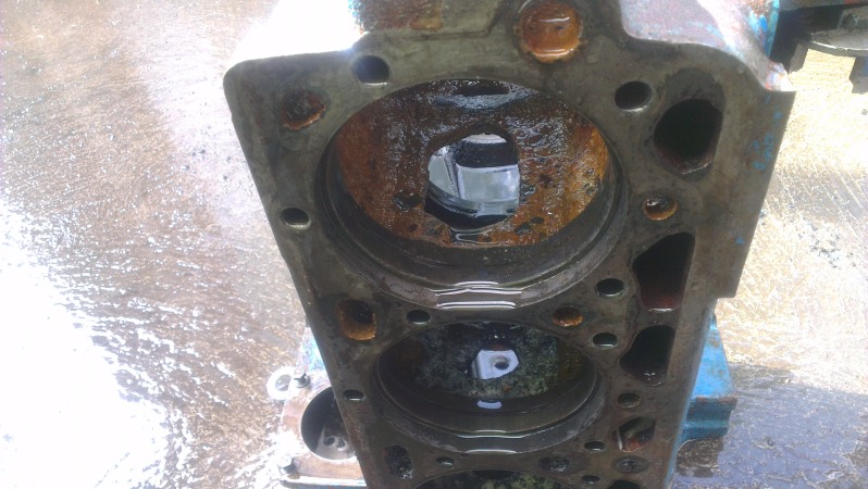 [EBRO SUPER 55] Agua en el aceite motor (en vías de solución) - Página 2 T6duew