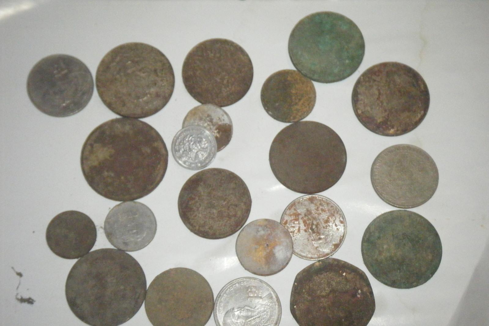 monedas encontradas en casa antigua.....    Wui0r8