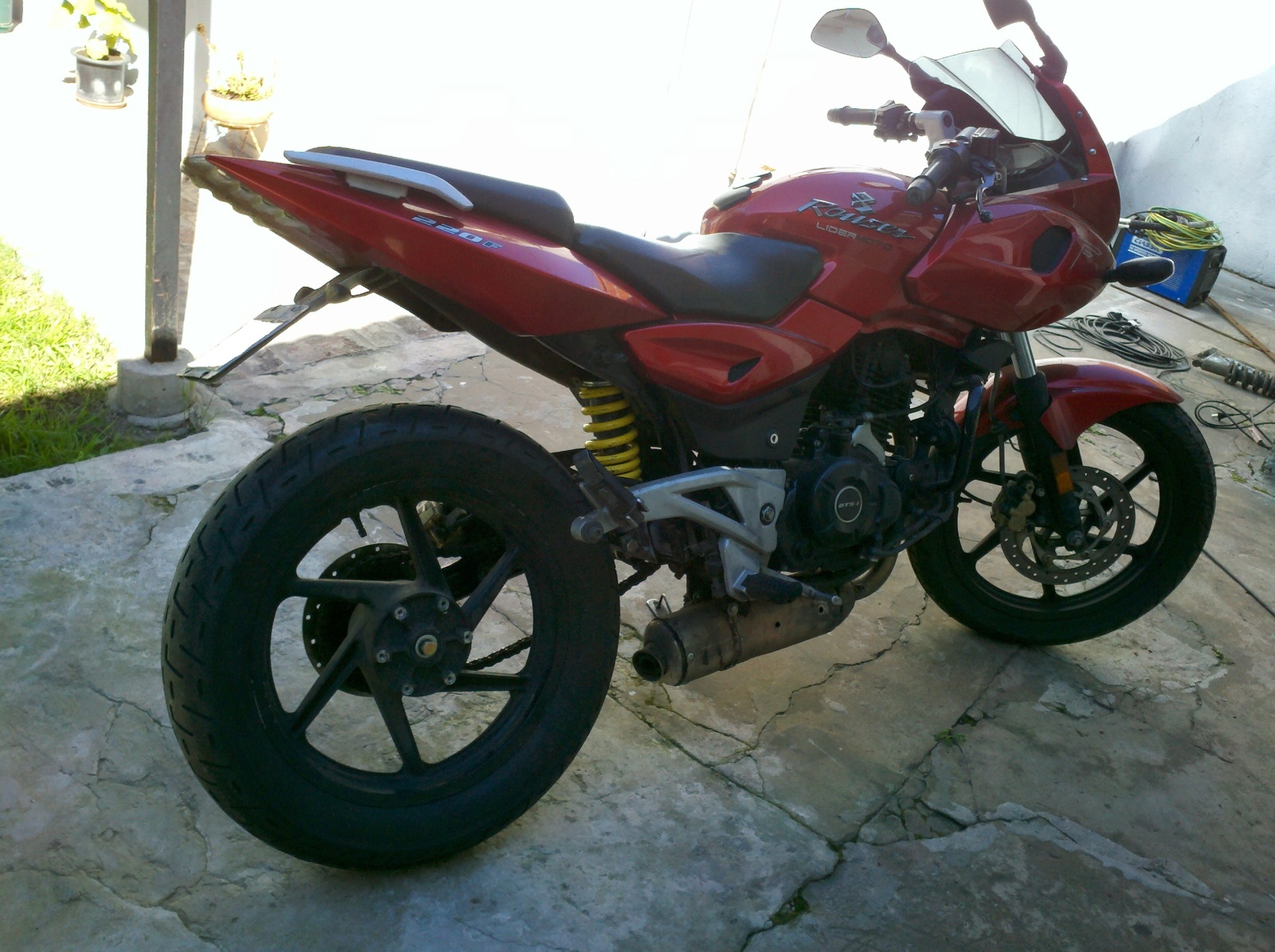 monoshock, ahora monobrazo!!!!!!!!!! 220f Ariel Vergara 16hy85