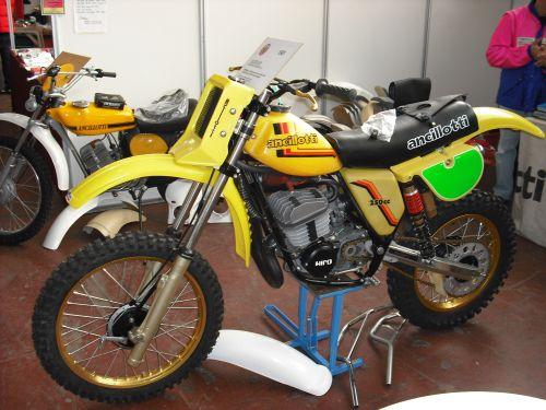 "Bultaco Pursang 125 ""Parabellum"" 205id5"