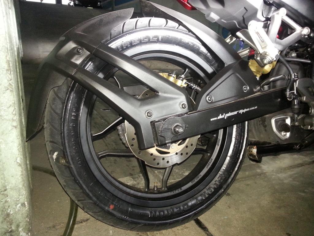 Mi 200NS con Pirelli Sport Demon 24mb4ue