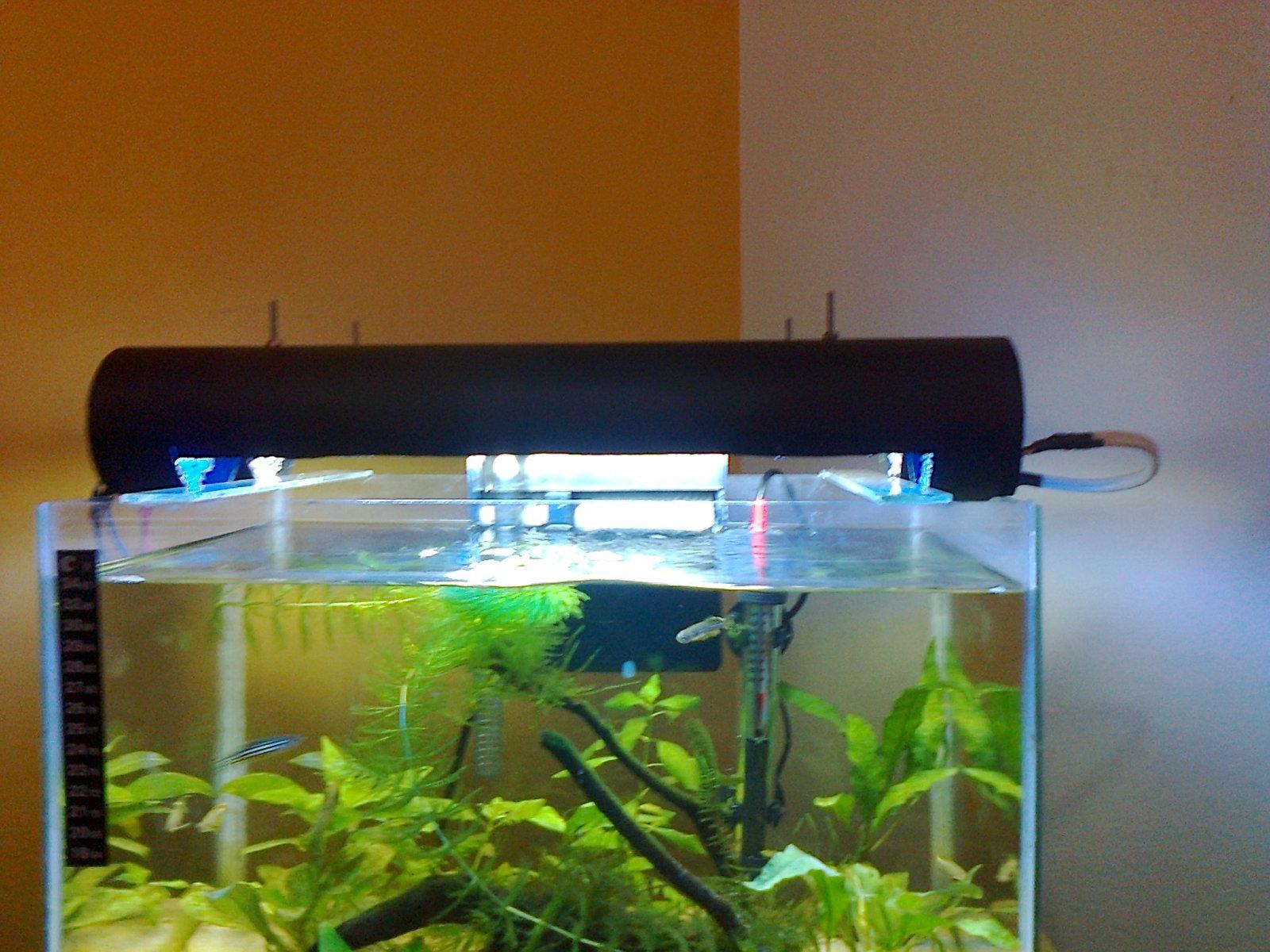 Luminária para aquário - FVM 25gctj4