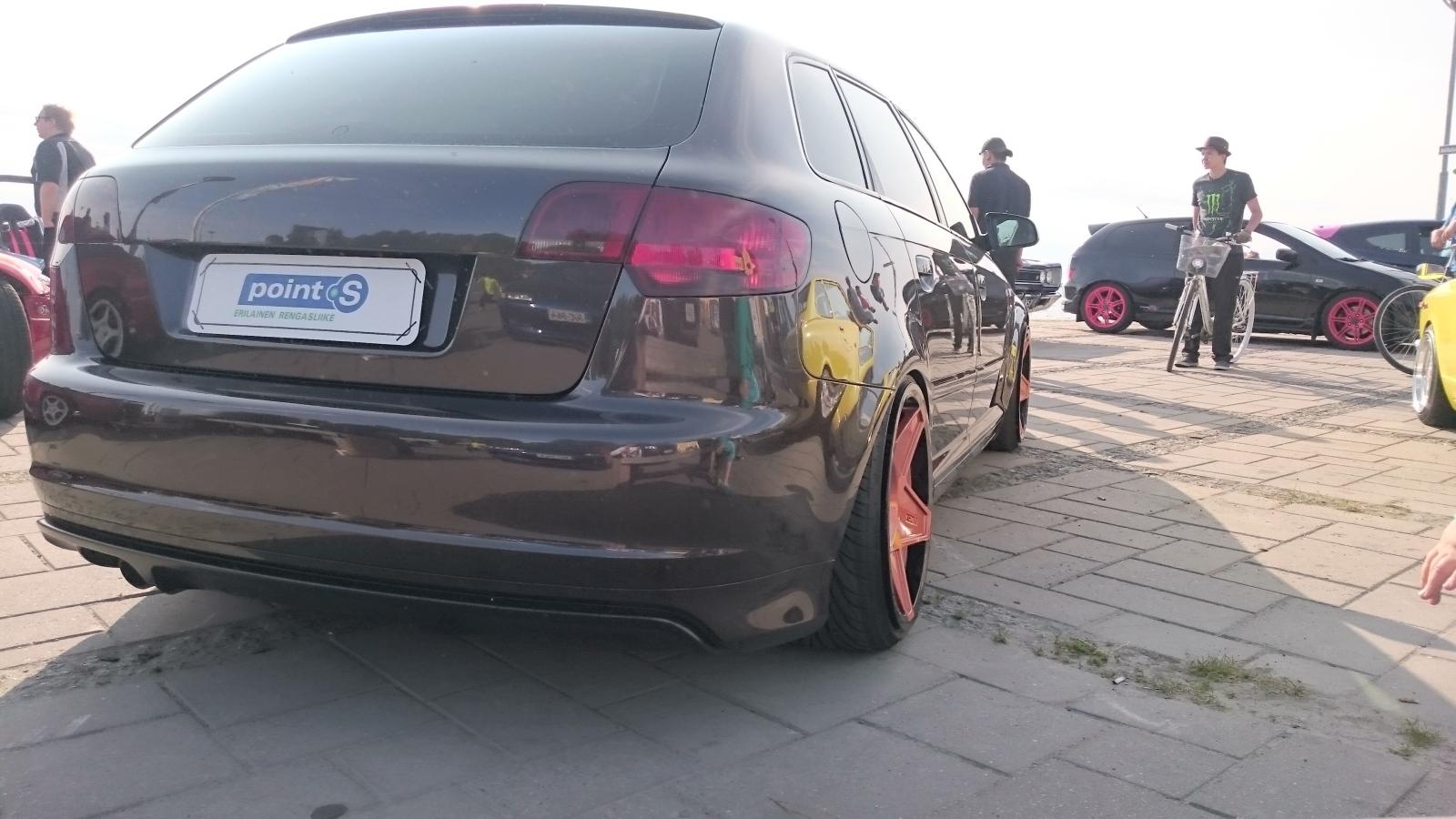 Kuvia käyttäjien autoista 2eeviq8