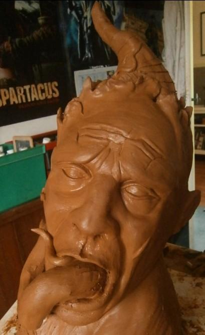 Nouveau buste en cours de réal : possession diabolique 2h6vbih