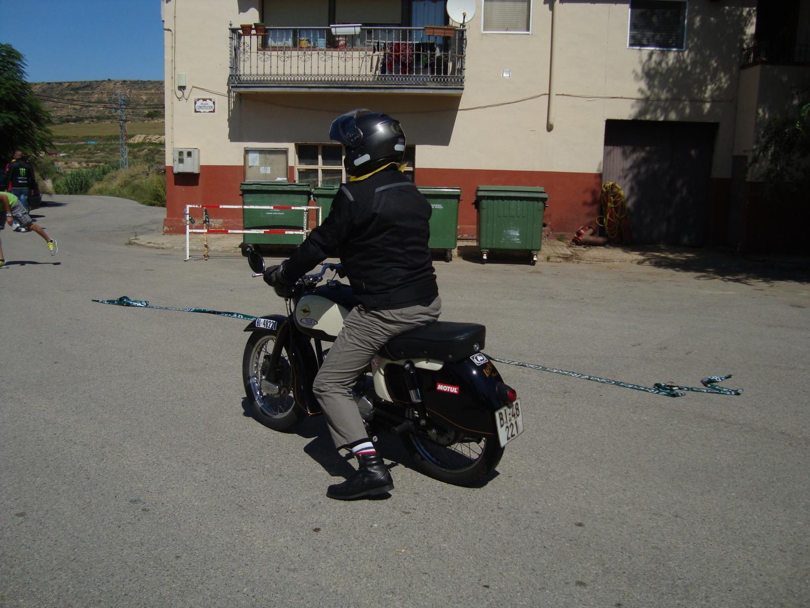 XI concentracion de motos antiguas en Alberuela de tubo (Huesca) 2j3fh9f