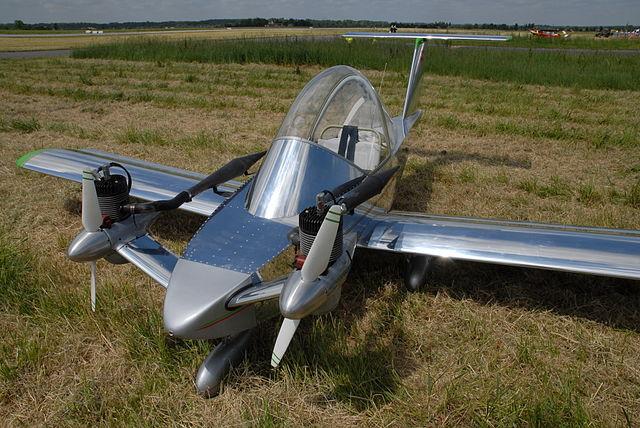Colomban Cri-cri - avión monoplaza de 70 kg 2sbakjp
