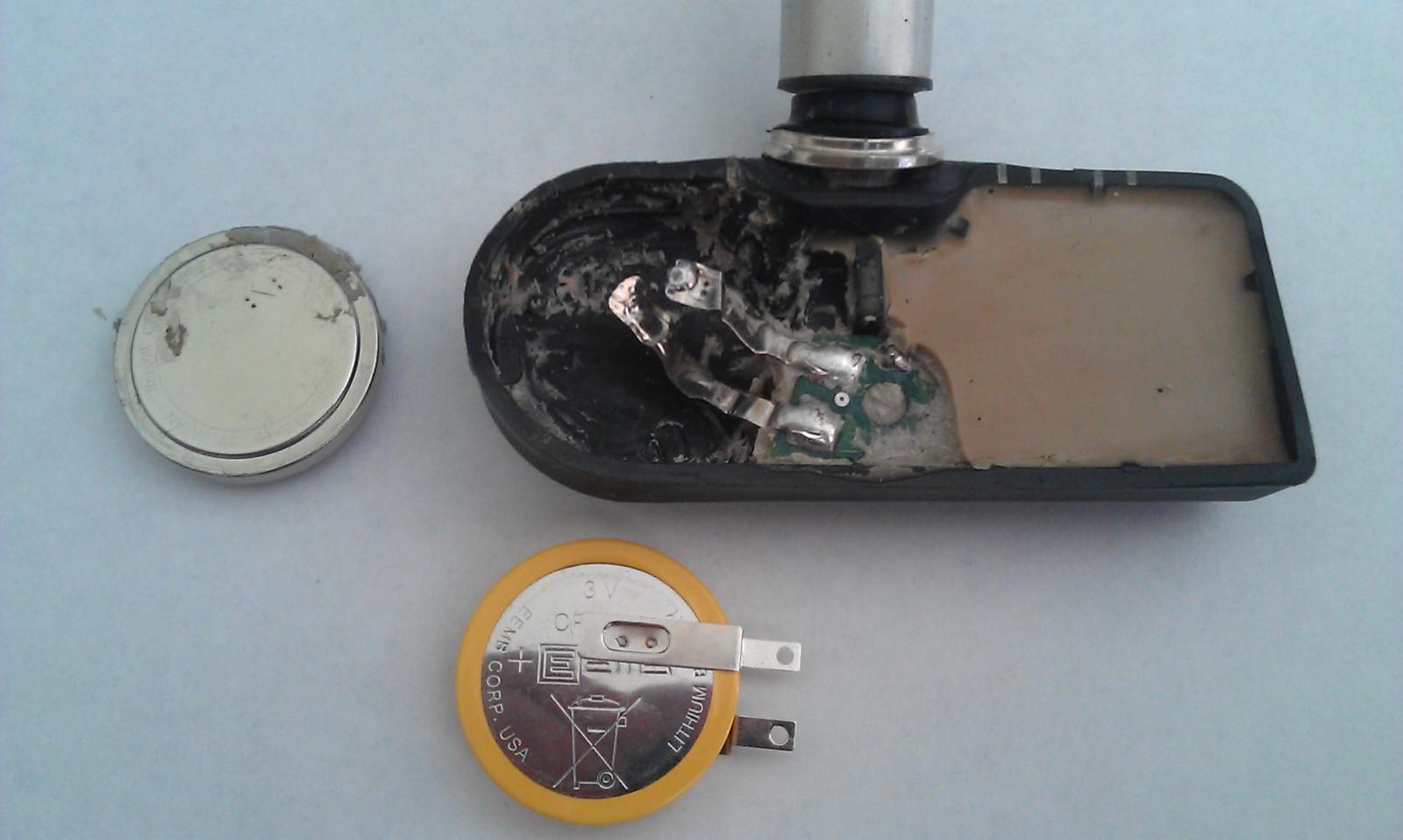 Замена элемента питания датчика давления в шинах  30ct4ix