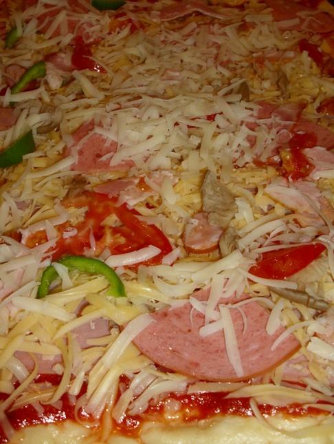 Ζύμη πίτσας με μπύρα & σάλτσα πίτσας 98zlz8