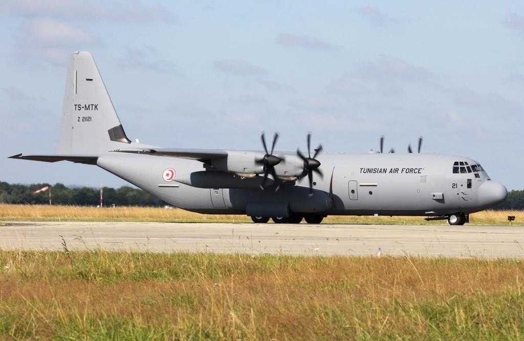 موسوعة طائرة النقل التكتيكي الاحدث C-130J Super Hercules بجميع أنواعها   F1m3n