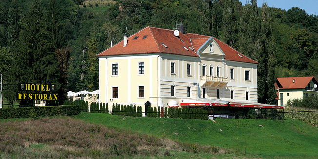 Stari dvorci i kurije u mom kraju Fozxac