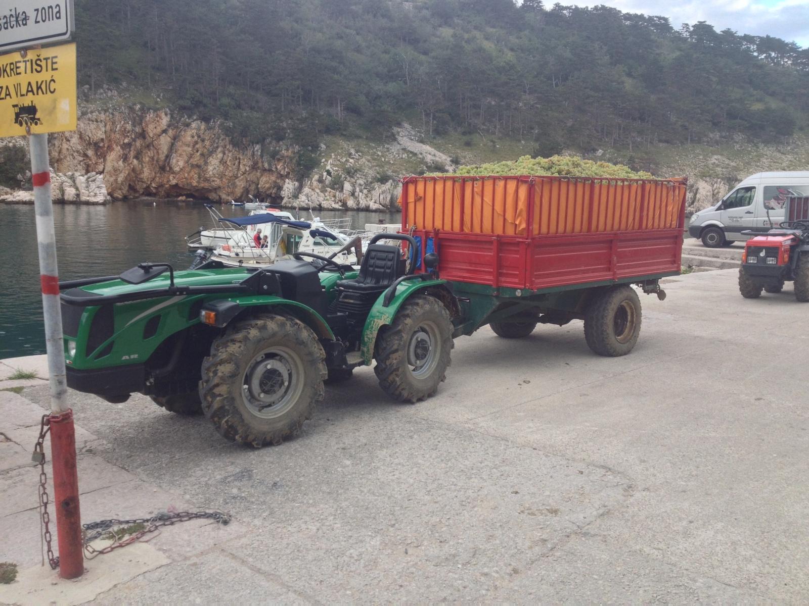Traktori Ferrari opća tema traktora Ht7oeu