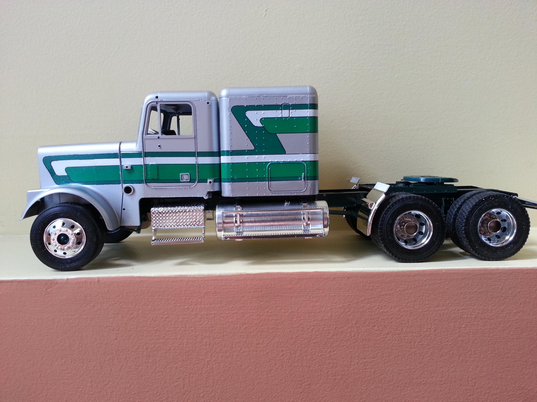 Freightliner FLC silver et vert I4qw07