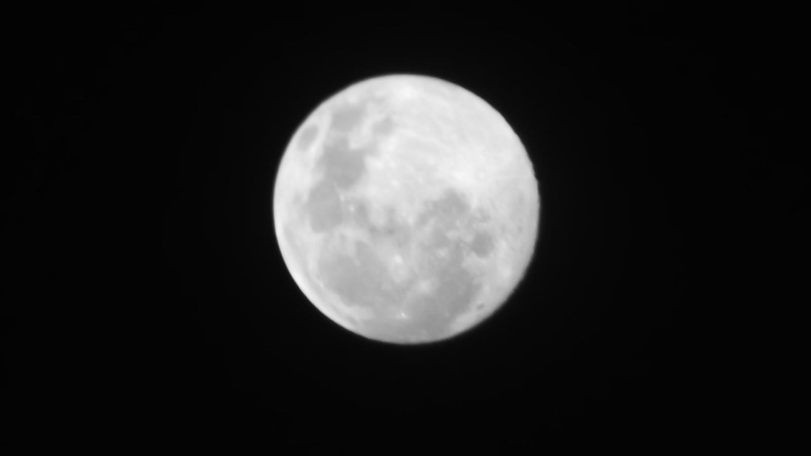 Fotos da Lua - Câmera compacta + Binóculo 10x50 Kc1fg3