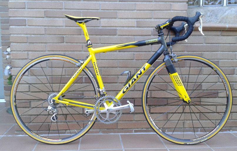 Vendo mi flaca: Bicicleta carretera GIANT, Réplica TEAM ONCE Mm4hp4