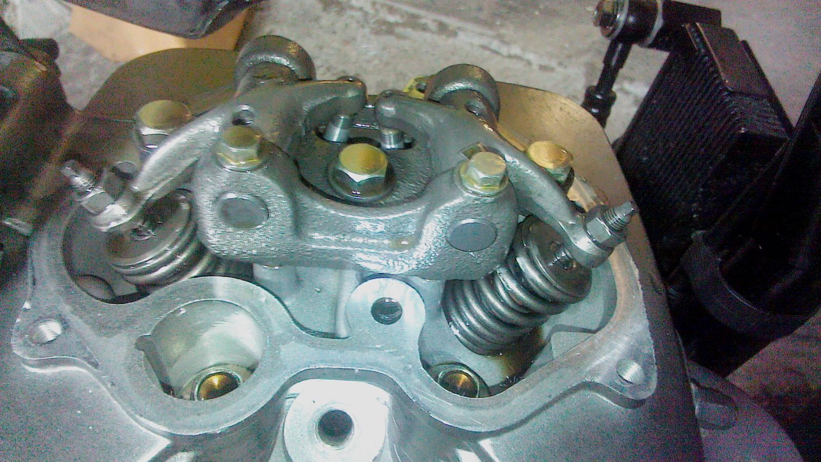 Ajuste de valvulas y mantenimiento filtro de aire a mi RKV200!! Nf1mxi