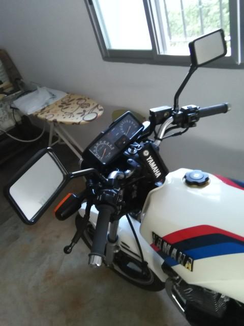 """Yamaha XS 400: """"el que la sigue la consigue"""" Nnqw01"""