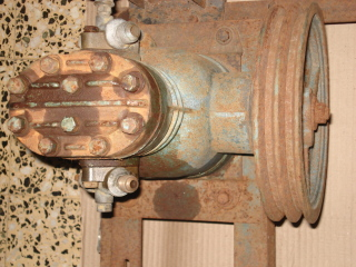 Ayuda:  para desarmar el cabezal de un compresor marca DELFAR Oa4y6u