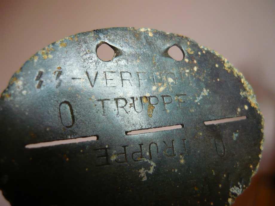 plaques matricules de la Waffen ss  Rkoo5z