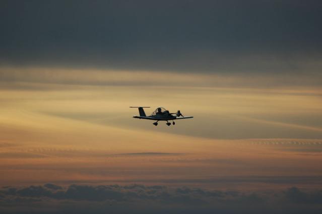 Colomban Cri-cri - avión monoplaza de 70 kg Sg1lwm