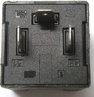 ¿Como se conecta el destellador de luces de giro? T6tpq1