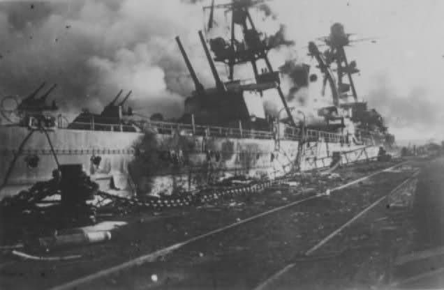 Le sabordage de la Flotte à Toulon (83) 27/11/1942 23ivxjn