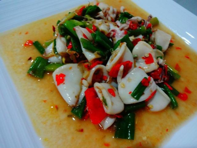 Fotos con precios de los diferentes platos y comidas tailandesas 10sau52