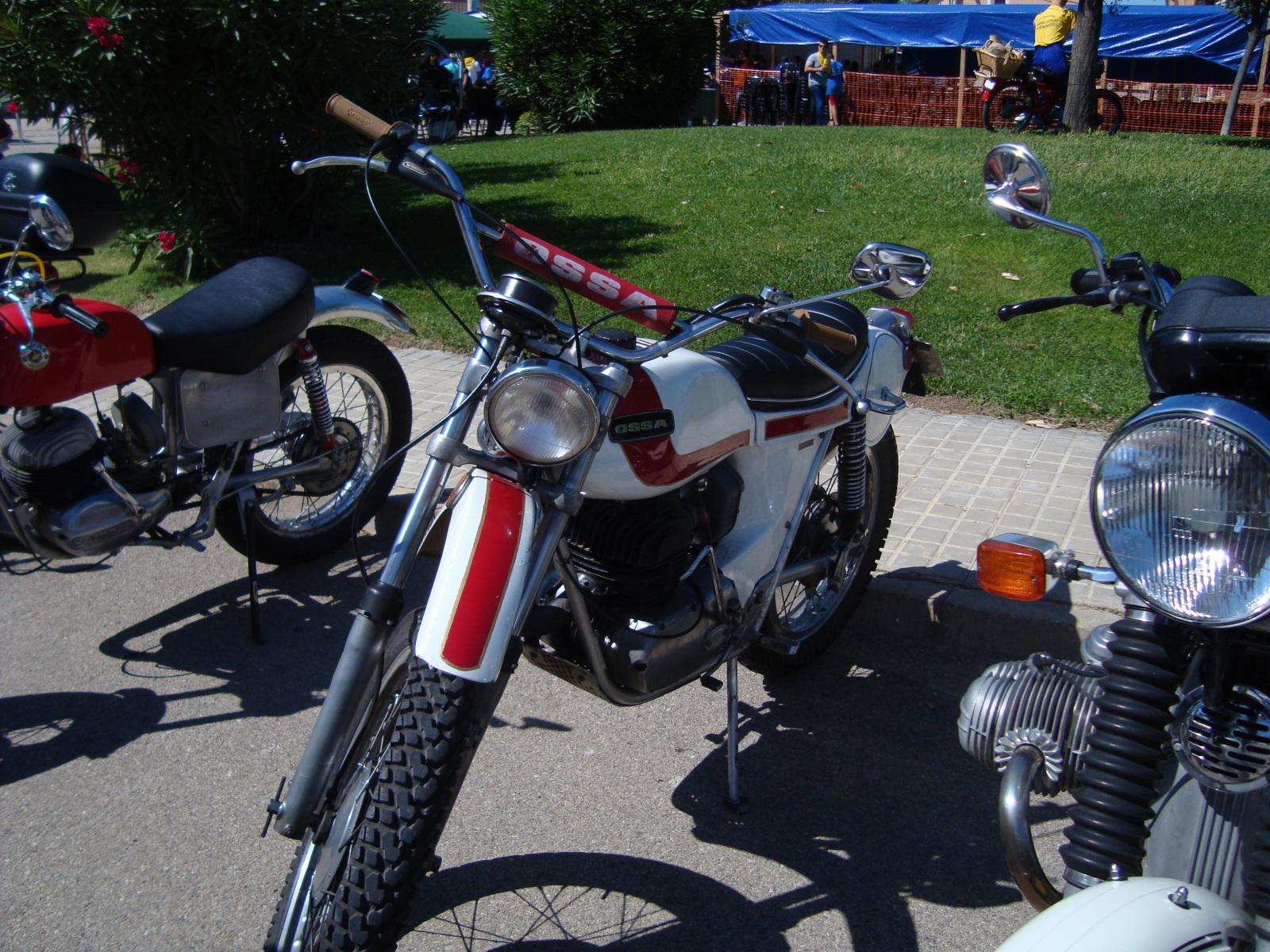 XI concentracion de motos antiguas en Alberuela de tubo (Huesca) 13yf2f7