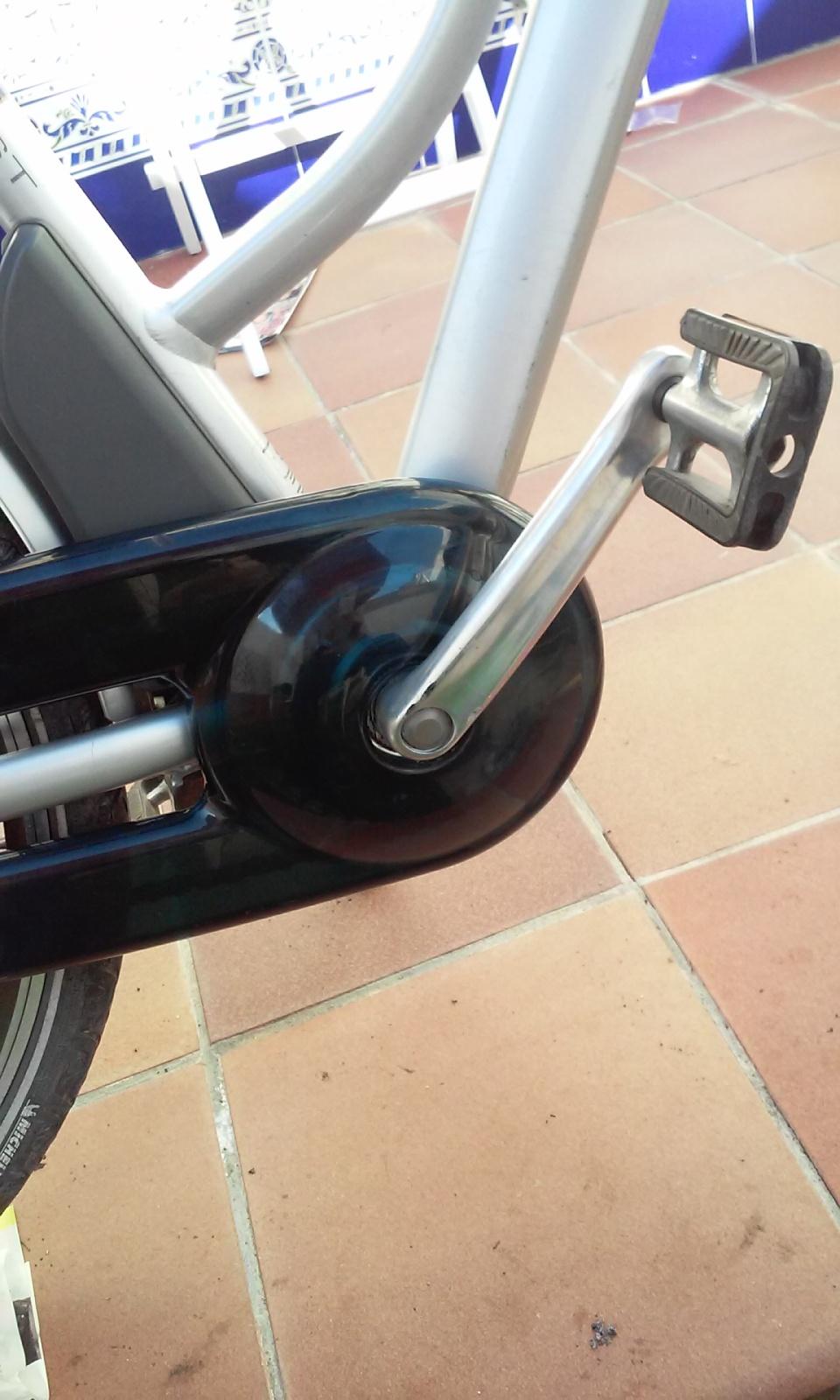 Desmontar eje pedalier bicicleta Giant 15rh2cz