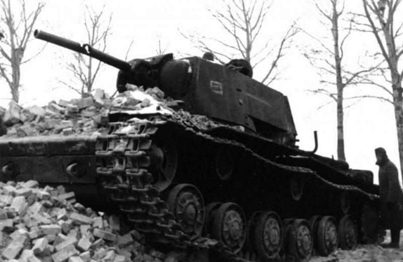 "КВ-1 ""27 ноября 1941 года г. Венев""(Звезда 1/35) 2envqs3"