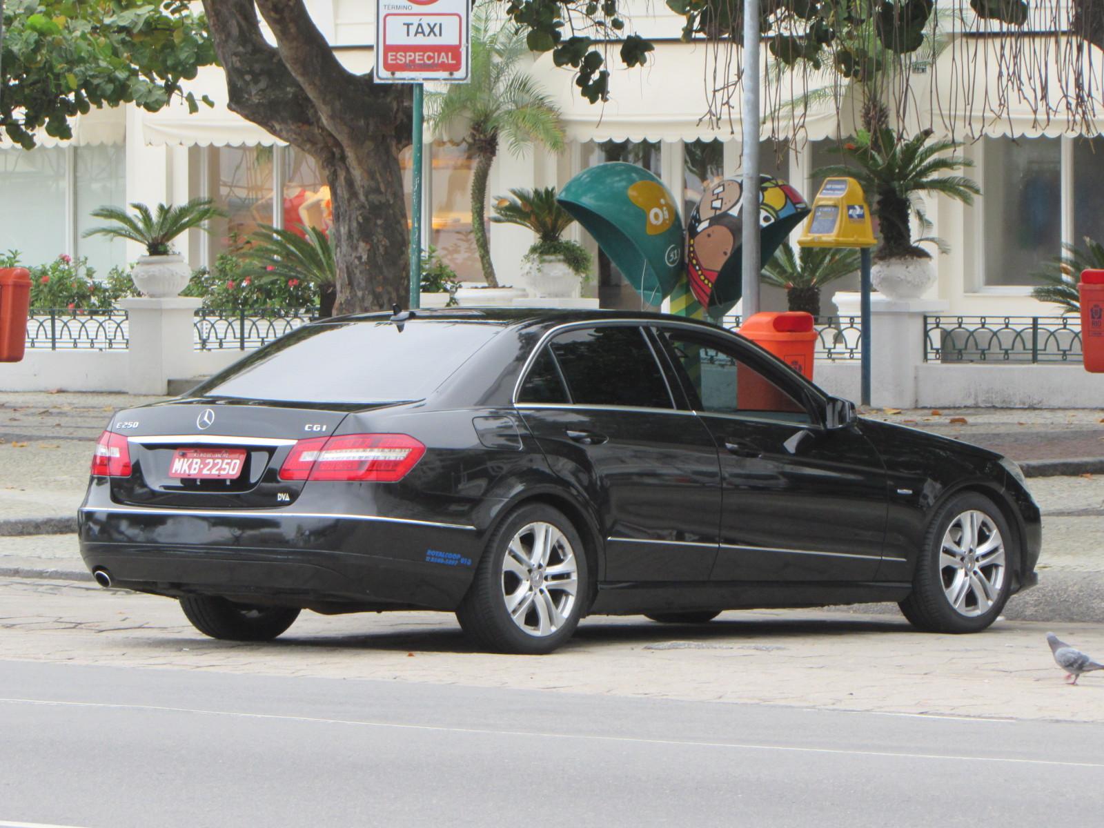 MB como táxi: crime ou paixão???? 2iiv28n
