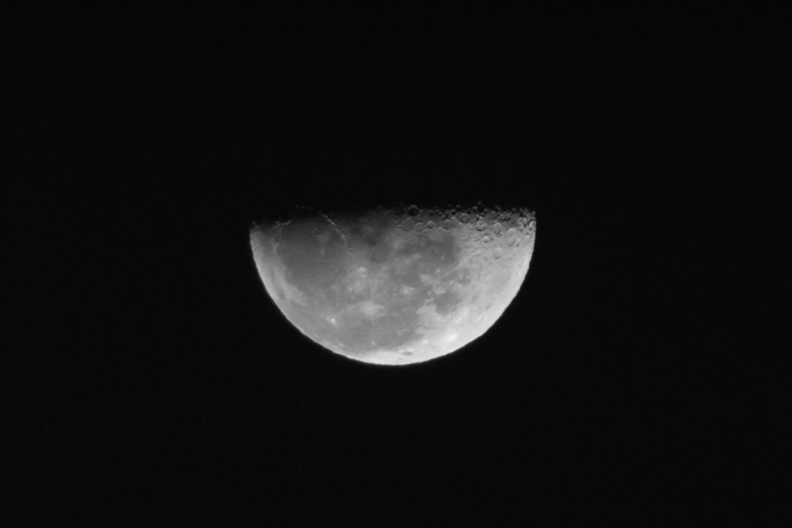 Fotos da Lua - Câmera compacta + Binóculo 10x50 2irxkkg