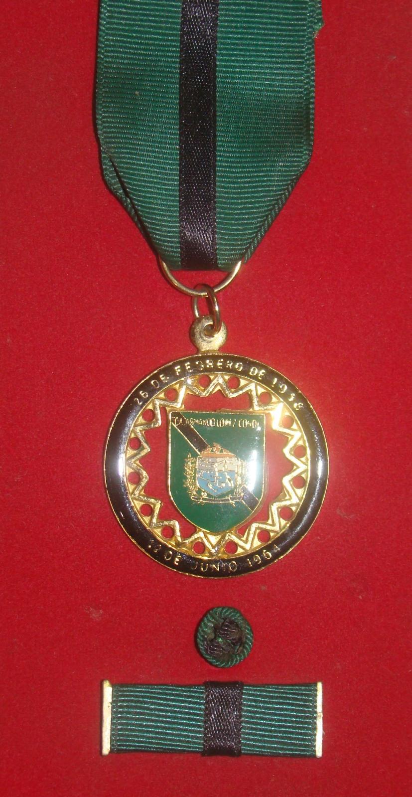 Condecoraciones y Medalla Navales 2lwol4x