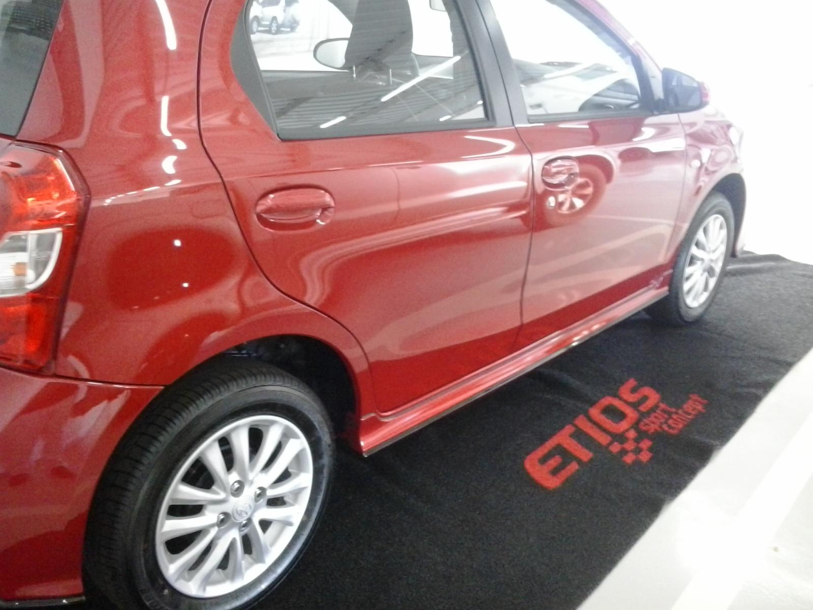 Etios Sport Concept da OSAKA BH 2qv4do2