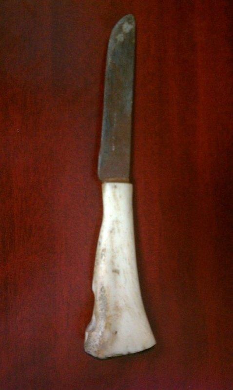 Cuchillo hecho a mano con mango de hueso 2rnaqo1