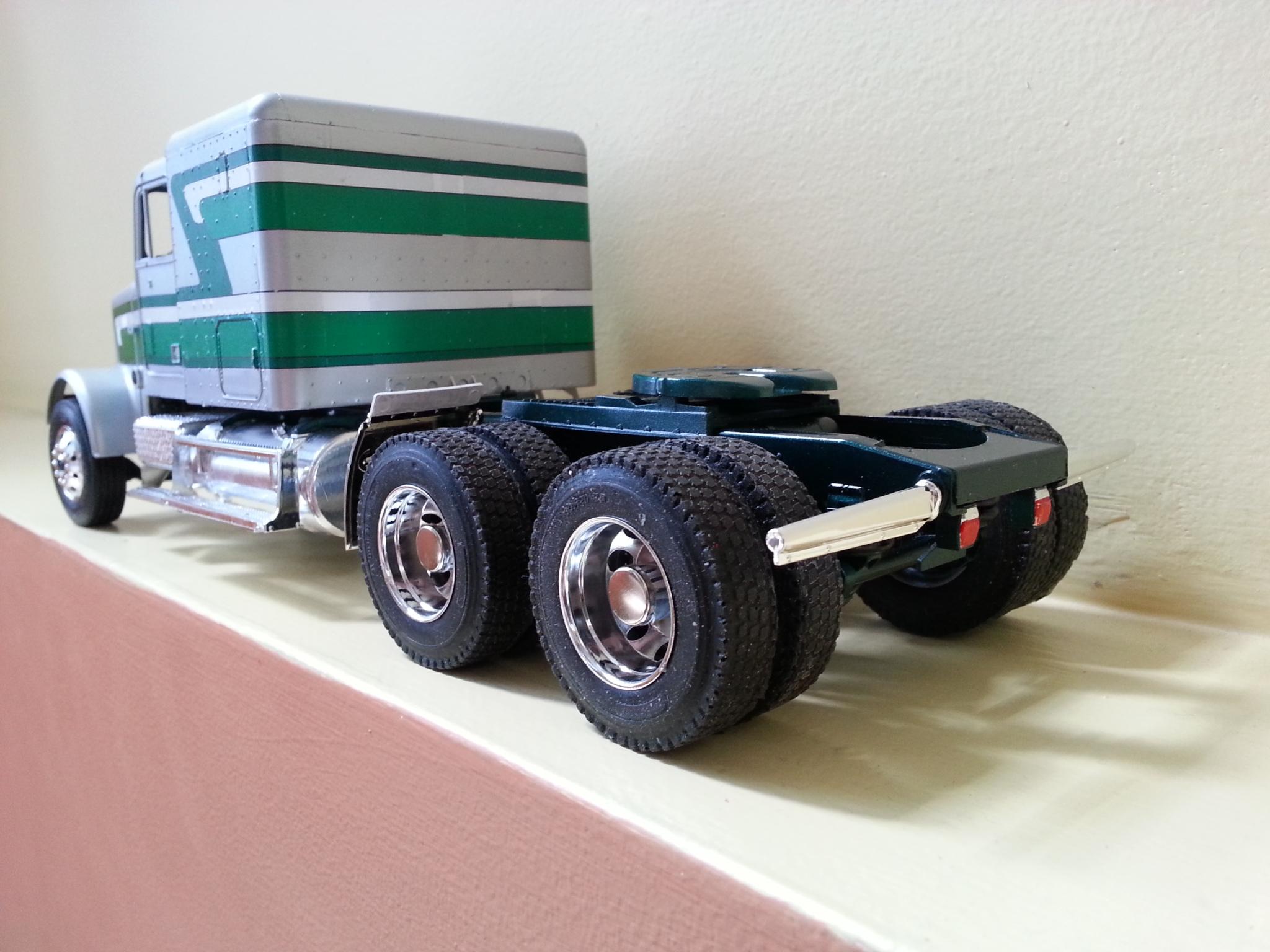 Freightliner FLC silver et vert 2u3uohk