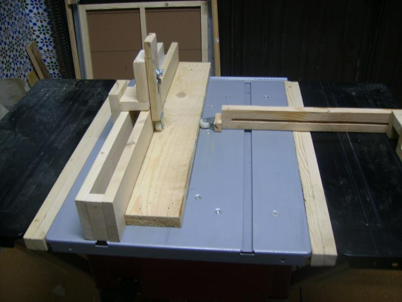 Mi sierra de mesa y sus modificaciones. 35j9xcx
