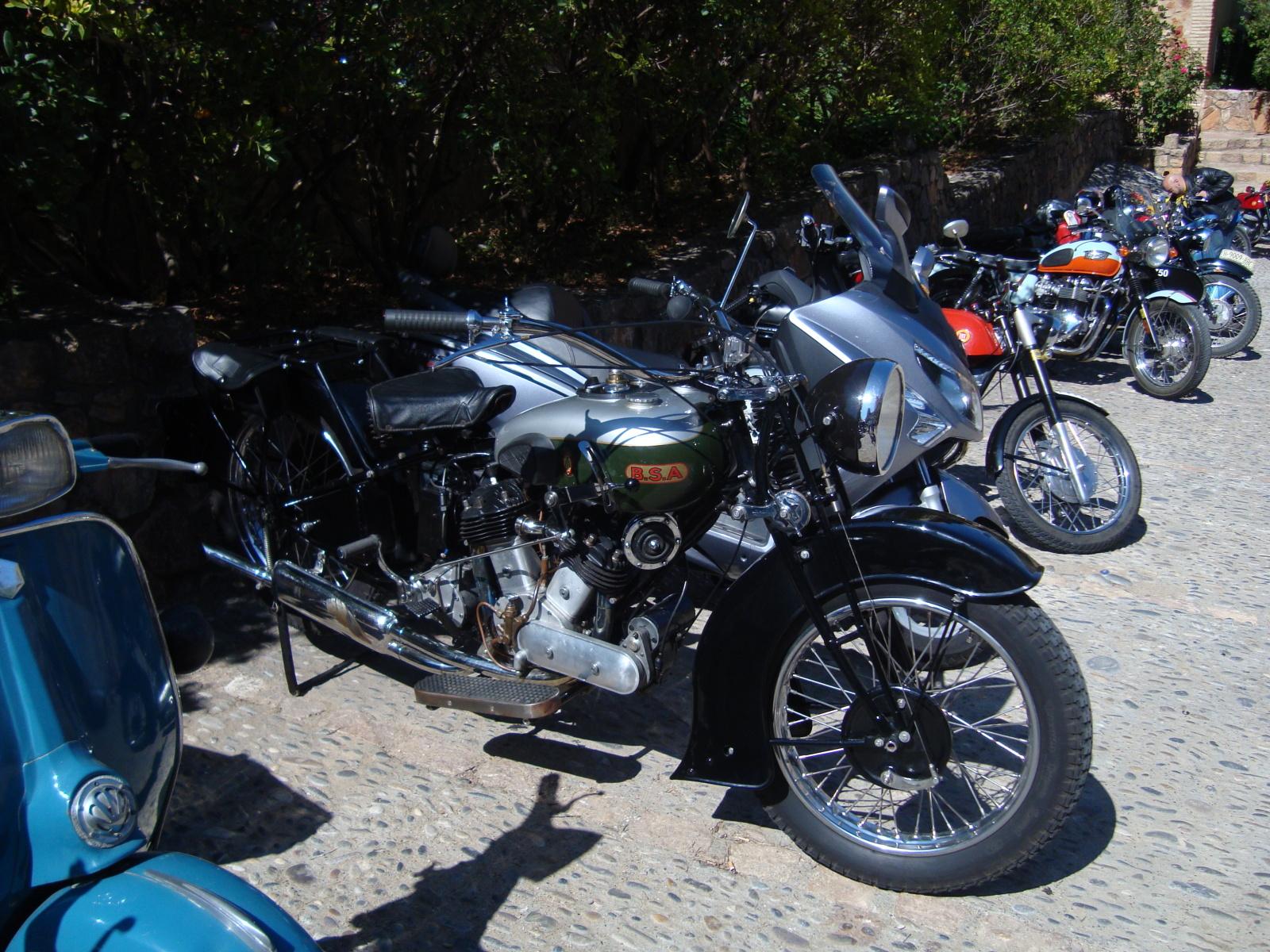 XI concentracion de motos antiguas en Alberuela de tubo (Huesca) Dnge11